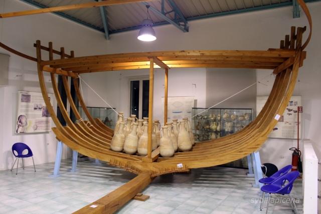 RIproduzioni di imbarcazione romana da carico